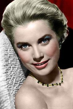 Gorgeous American Grace Kelly became Her Serene Highness, Princess Grace of Manoco Hollywood Icons, Hollywood Glamour, Hollywood Stars, Hollywood Actresses, Old Hollywood, Actors & Actresses, Grace Kelly Mode, Grace Kelly Style, Rita Hayworth
