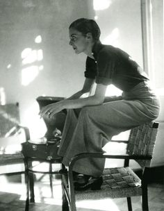 Lisa von Cramm, Berlin, 1934, photo by Marianne Breslauer.
