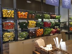 New Ideas For Fruit Juice Store Design Smoothie Bar Smoothie Bar, New Fruit, Fruit Juice, Fruit Fruit, Juice Menu, Jamba Juice, Fruit Kabobs, Antipasto, Juice Bar Interior