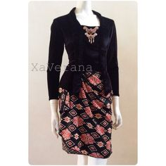 Kebaya kutubaru See our collection at Instagram @xaverana We have 20 colors of this kind