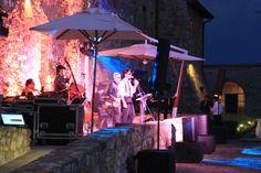 live music...  http://www.jdeventsrl.com