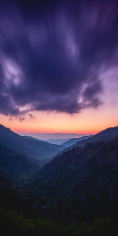 Dusk looking over the Great Smoky Mountains Tennessee (Photo credit to Ben Klea) Android Phone Wallpaper, Hd Phone Wallpapers, Smoky Mountains Tennessee, Great Smoky Mountains, New Iphone, Apple Iphone, Smartphone News, Galaxy Note 10, Android Apps
