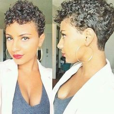 Curly short hairstyle for the summer.