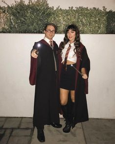 72 Siriusly Creative Harry Potter Costume Ideas For Wizards and Muggles Alike - Halloween costumes - Couples Halloween Outfits, Cute Couples Costumes, Cute Couple Halloween Costumes, Looks Halloween, Trendy Halloween, Diy Halloween, Hogwarts Costume, Halloween Disfraces, Costume Ideas