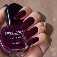 Esmaltes miss Rose . Stylish Nails, Trendy Nails, Cute Nails, Nail Manicure, Gel Nails, Acrylic Nails, Nail Polish Pens, Nail Polish Colors, Fall Nail Art Designs