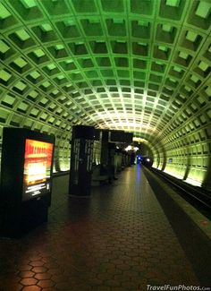 Unique Subway in Washington dc - USA, was amazed riding in early 00s that teens apologized for swearing and picked up trash on trains