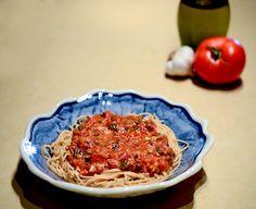 Slow-Cooked Tomato Basil Marinara Sauce
