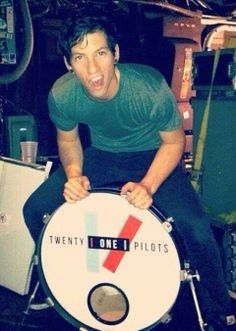 Mmph. Joshua Dunn. Twenty One Pilots. Mm. |-/