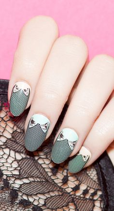 Fishnet Nails