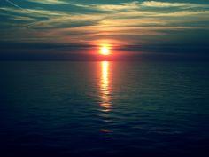 El atardecer en el mar del Norte (Países Bajos).-