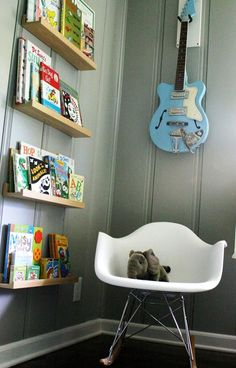 when our baby gets older, i will use wonderful wall shelves to display his books.... oh, i can't wait!