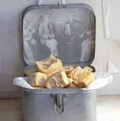 Old fashioned farm rusks South African Dishes, South African Recipes, Kos, Rusk Recipe, Chocolate Caramel Tart, Tea Cookies, Our Daily Bread, Biscuit Recipe, Restaurant Recipes