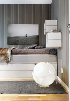 IKEA DIY Ideas: 6 Ways to Make Your Own Platform Bed (with Storage). This one uses Ikea Stolmen closet system. Ikea Diy, Bedroom Storage, Ikea, Storage Hacks Bedroom, Bed Storage, Bed, Small Bedroom, Diy Platform Bed, Platform Bed With Storage