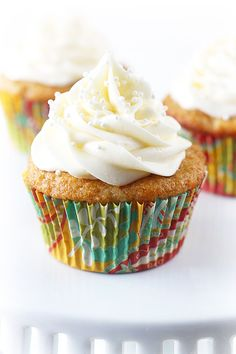 Carrot Cake Cupcakes with Cream Cheese Frosting (Creme de la Crumb)