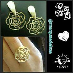 Para as românticas, que tal esse conjunto de brincos e anel de rosa?! Lindo e delicado!!   Vendas no atacado e varejo!  Fica de olho nas nossas redes sociais!  Site: www.marqueedeluxe.com.br  Insta: @marqueedeluxe  Pinterest: Marquee de Luxe  Whats: (42)9802 3838