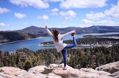 We're loving this gorgeous shot of @megkkee rocking our Nautical Spacedye Elongates😗💙👌🏼 #yogaeverydamnday  #hiking #getoutside #fitnessfashion #mountains #getoutside #mountaingirls #pilates #yogi #ootd #yogaapparel #fitgirl #fitmom #yogagirl #glyderapparel #fitfashion #namaste #worksweatplay