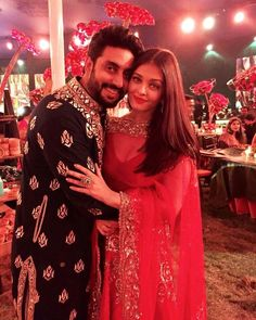 Aishwarya Rai Bachchan and Abhishek Bachchan look adorable at Mumbai wedding