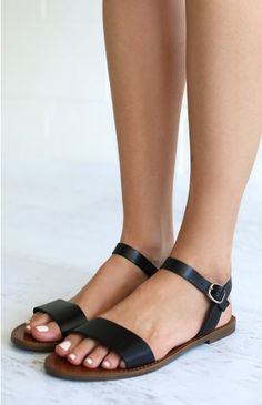 BLACK SANDALS with one strap