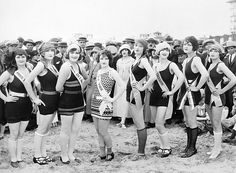 Film Still: Beauty Pageant Photograph Beauty Contest, Miss America, Model Look, Beautiful Women Pictures, Bathing Beauties, Beauty Pageant, Beach Scenes, Film Stills, Beauty Queens