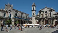 En 1748 la Compañia de Jesús comenzó la construcción de una iglesia en sobrio estilo barroco americano.   Los trabajos continuaron a pesar de la expulsión de los jesuitas de los dominios españoles en 1767 y en 1787, con la creación de la diócesis de La Habana la iglesia se convirtió en catedral.