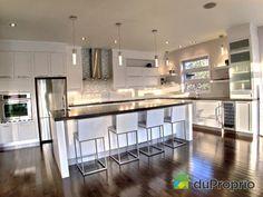 White Kitchen Cabinets, Kitchen Reno, Kitchen Remodel, Kitchen Design, Cabin Kitchens, Grey Kitchens, Gray And White Kitchen, Kitchen Dinning Room, Sweet Home