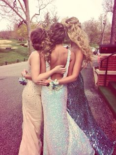 Prom with best friends