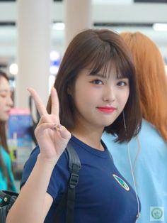 Asian Woman, Asian Girl, Korean Star, K Idol, Kawaii Girl, Aesthetic Girl, Kpop Groups, Korean Girl Groups, Kpop Girls