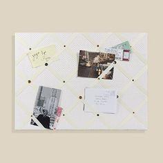 Bulletin board made of ribbon / Tableau à mémos fait de rubans | DeSerres