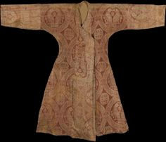 Islamic Arts Magazine | News Details | IMPORTANT SELJUQ SILK SAMIT ROBE, CENTRAL ASIA, 11TH CENTURY