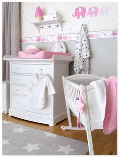 elefanten girls rosa grau klassisches babyzimmer in rosa wei und grau mit elefanten. Black Bedroom Furniture Sets. Home Design Ideas