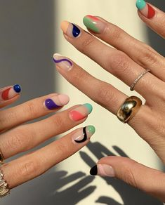nail art For working moms, busy women, and those who don't care much about nails, they are all good choices. We have collected the best short nail designs for you. They are simple and complex Funky Nails, Dope Nails, Swag Nails, My Nails, Teen Nails, Grunge Nails, Funky Nail Art, Trendy Nail Art, Cute Acrylic Nails