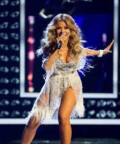 Shakira, Sexy Outfits, Glow, Beautiful Women, Singer, Wallpapers, Actresses, Celebrities, Beauty
