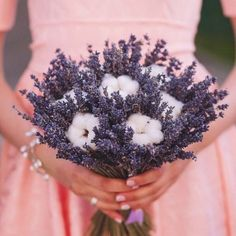 Some ideas for you rustic wedding bouquet. Interesting floral arrangments created with wild flowers, herbs, grasses or even fruits. Boquette Wedding, Rustic Wedding, Bridal Flowers, Flower Bouquet Wedding, Cake Flowers, Lavender Bouquet, Lavender Flowers, Hand Bouquet, Diy Bouquet