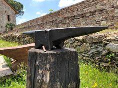 Blacksmith Anvil For Sale, Blacksmith Tools, Anvils For Sale, Metal Art Sculpture, Vintage Tools, Blacksmithing, Country Of Origin, Metal Working, Knives