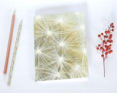 Notebook, carnet de note, petit cahier, journal intime, fleur de pissenlit
