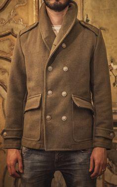 Replica di una giacca peacot militare anni 50, realizzato in panno marina