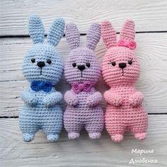 Пасхальные кролики амигуруми крючком