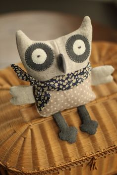 Owl softies - Love the fabric choices in this little guy Fabric Toys, Fabric Crafts, Paper Toys, Needle Felted Animals, Felt Animals, Handmade Baby, Handmade Toys, Sewing Toys, Sewing Crafts