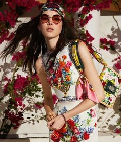 Dolce&Gabbana Online Store: discover the wide selection of high fashion accessories, clothing and shoes for Men, Women and Children. Dolce & Gabbana, Runway Fashion, High Fashion, Womens Fashion, Fashion Photo, Exclusive Clothing, Fashion Week 2018, Glamour, Italian Fashion