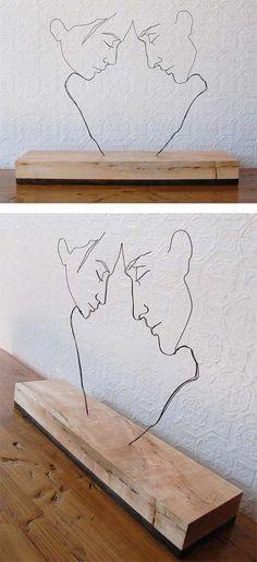 Sabe aqueles carinhas que torcem arame? Então... Couple Love de Gavin Worth. Escultura em arame.