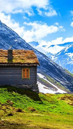 Mountains-House-Norway I woul love to have a cabin...