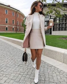 Pin on Damen Mode Frühling / Spring Outfits Summer Work Outfits, Casual Work Outfits, Professional Outfits, Stylish Outfits, Spring Outfits, Office Outfits, Young Professional, Business Professional, Work Outfit Winter