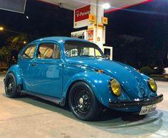 Blue old school bug Vw Bus, Volkswagen Beetle, Vw Super Beetle, Vw Classic, Vw Vintage, Top Cars, Vw Beetles, Custom Cars, Porsche