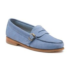 Adding a pop of color and a side buckle detail, this stylish penny loafer will go everywhere you go. Bass Shoes, Penny Loafers, Color Pop, Stylish, Blue, Fashion, Moda, Loafers, Colour Pop