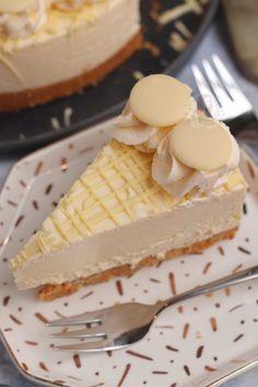 Milkybar Cheesecake! - Jane's Patisserie Best Cake Recipes, Baking Recipes, Pistachio Cheesecake, No Bake Lemon Cheesecake, Cheesecake Recipes, Terry's Chocolate Orange, White Chocolate Strawberries, Triple Chocolate Cheesecake