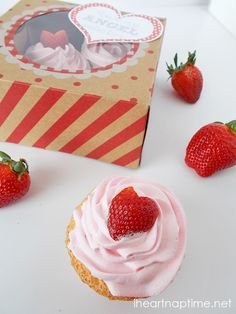 Angel food #cupcakes with fresh strawberries from iheartnaptime.net ...these look so good! #Valentine #desserts