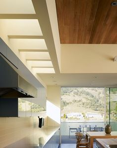 Excellent Minimalist Concept for Beach House Design: Bright Contemporary Seadrift Residence Kitchen Interior Design Equipped With Skylight A. Modern Kitchen Design, Interior Design Kitchen, Kitchen Decor, Modern Contemporary Homes, California Homes, Home Renovation, Interior Architecture, House Design, Beach House