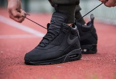 NIKE Women's Shoes - Nike Air Max 90 Sneakerboot Winter Black - Find deals and best selling products for Nike Shoes for Women Moda Sneakers, Sneakers Mode, Sneakers Fashion, Fashion Shoes, Shoes Sneakers, Roshe Shoes, Cheap Fashion, White Sneakers, Fashion Men