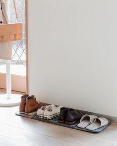 Kenkienkuivatus kenkäalusta eteiseen Shoe Rack, Home, Shoe Closet, Shoe Racks, Shoe Cupboard, Haus, Homes, Houses, At Home