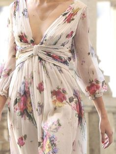 Like the tipe of dresses like this